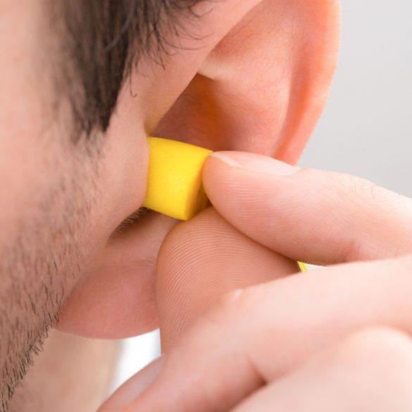 How to use earplugs